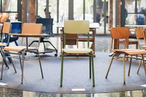 un siglo de mobiliario escolar